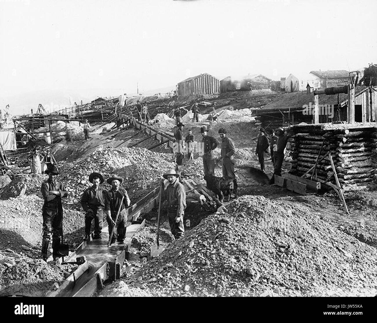 Mining operation with sluices, Gold Hill, Yukon Territory, ca 1898 (HEGG 13) - Stock Image
