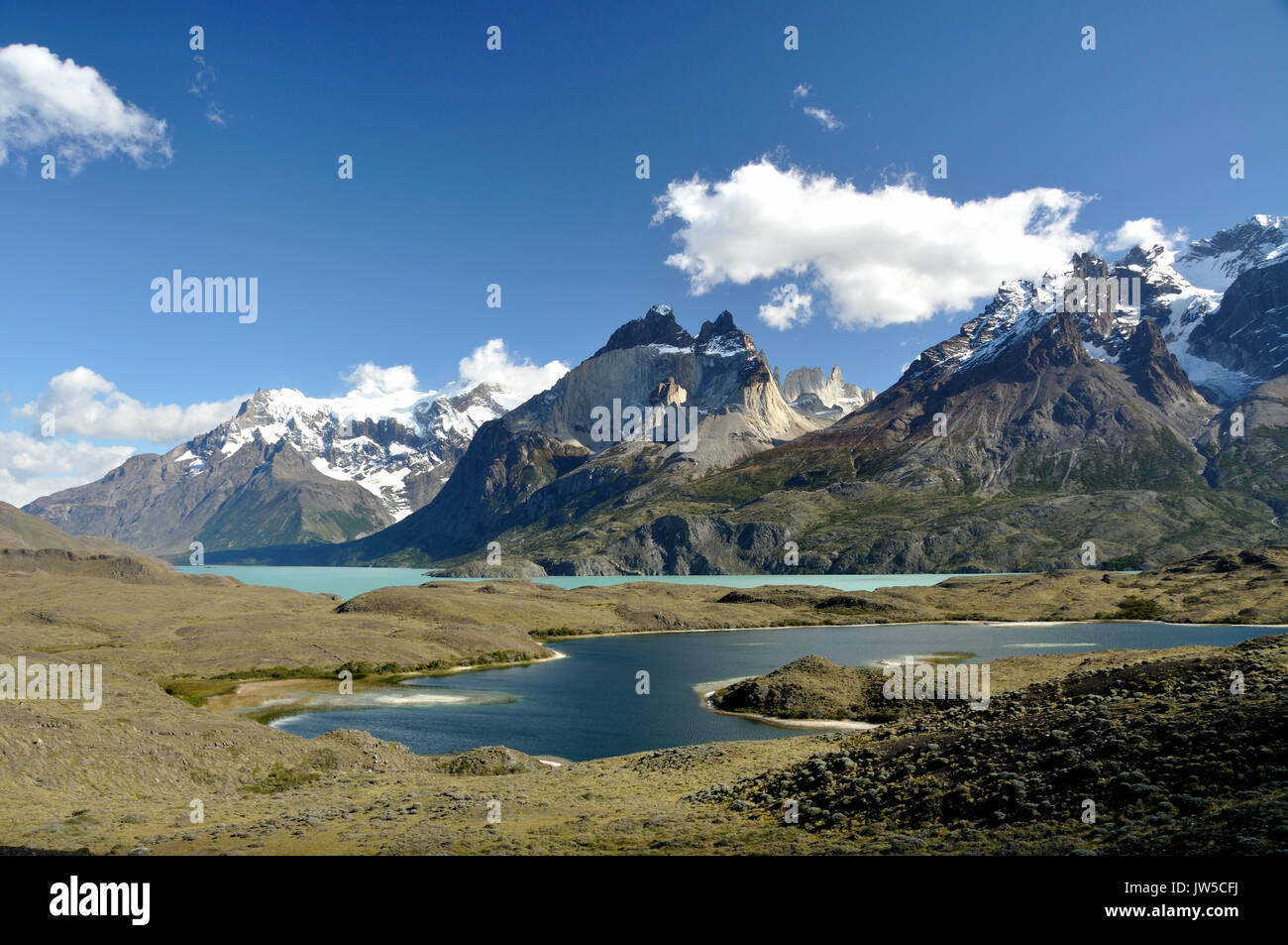 Lake Lago Nordenskjold in front of the Torres del Paine mountain range, Patagonia, Chile - Stock Image