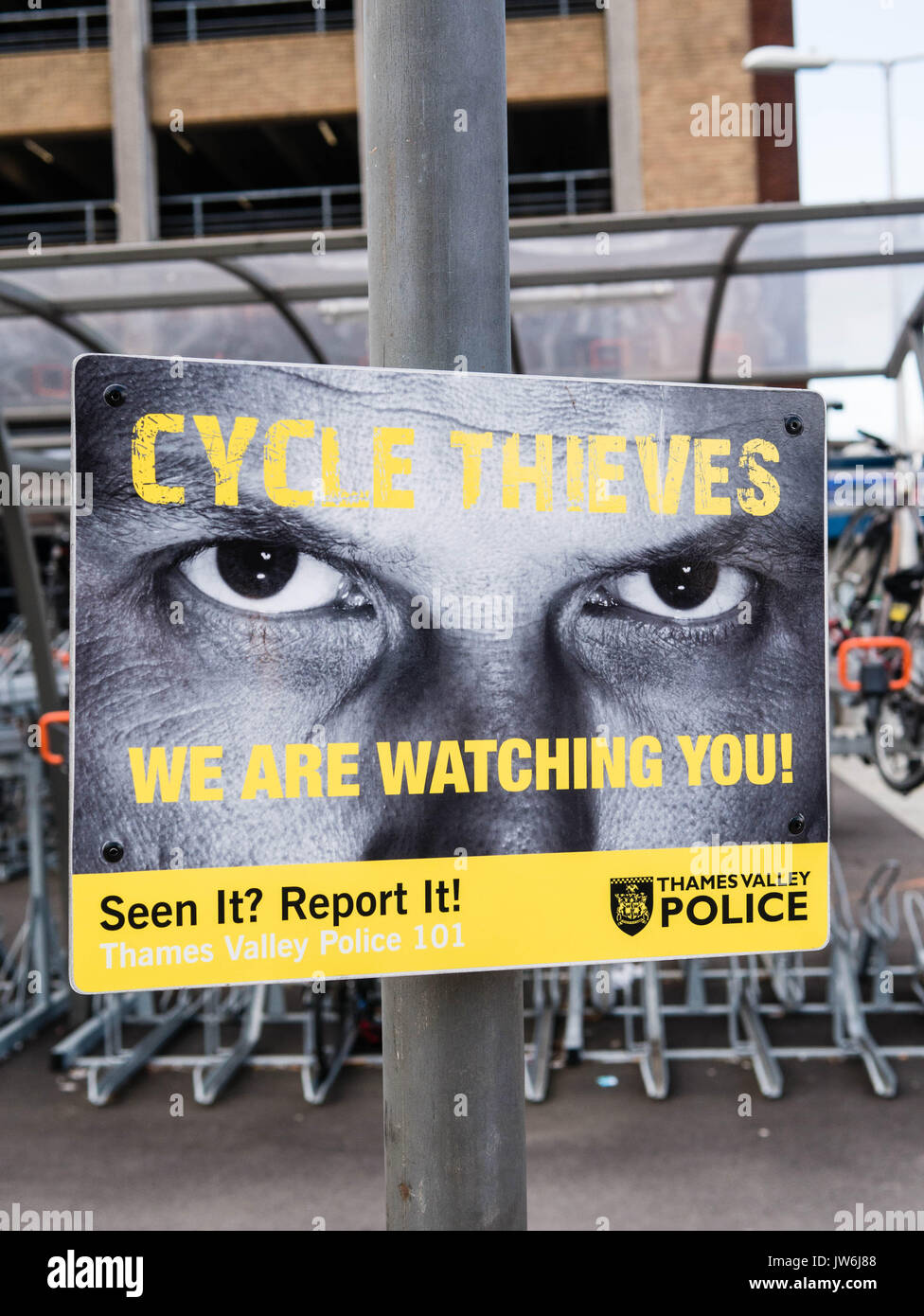 Cycle Thieves Poster, Reading Train Station, Berkshire, England Stock Photo