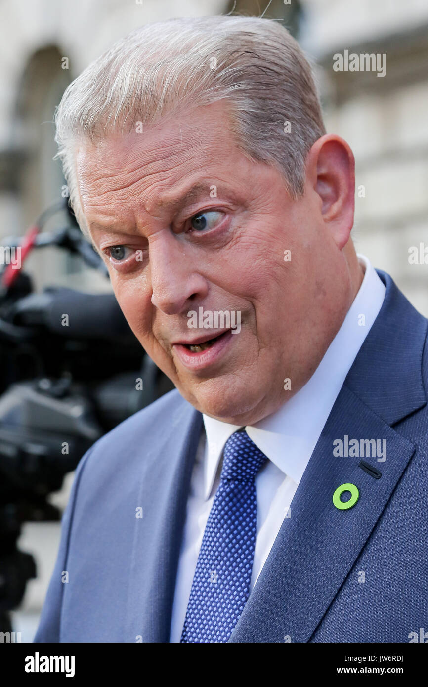 London. UK. 10th August, 2017. Somerset House. London, UK. , . Former Vice President Al Gore arrives at Somerset Stock Photo