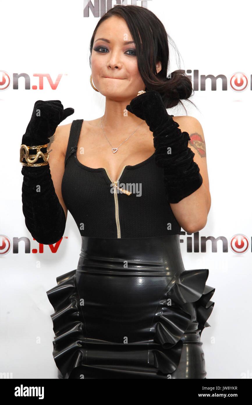 Nicole 'Hoopz' Alexander Defeats 'Nat D' to Win Celebrity ...