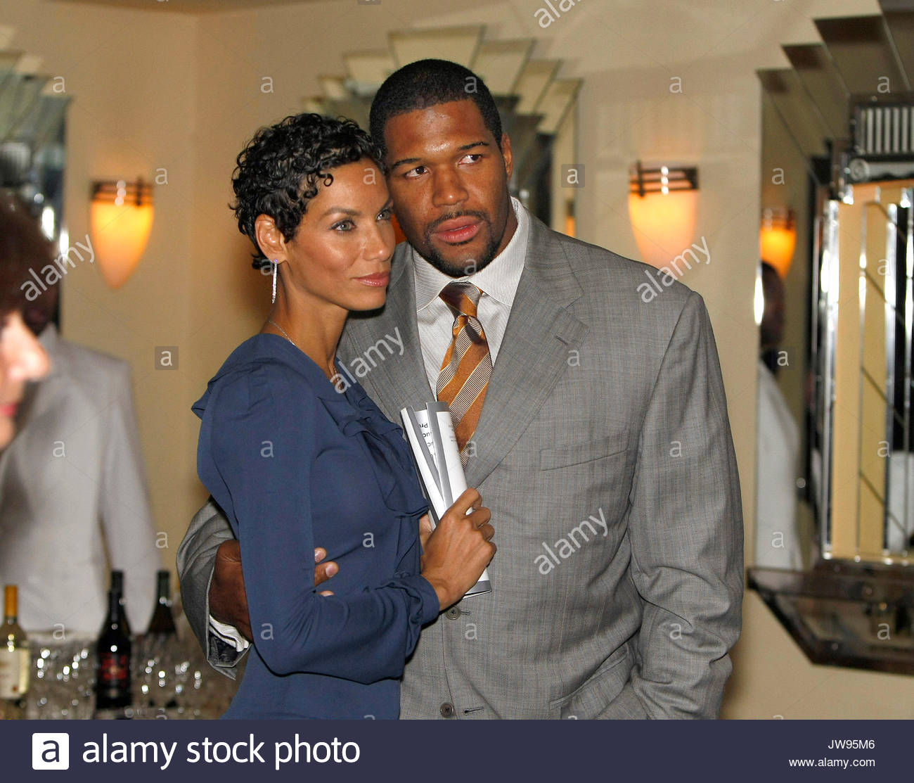 Michael Strahan And Nicole Mitchell At The Diabetes Research Stock