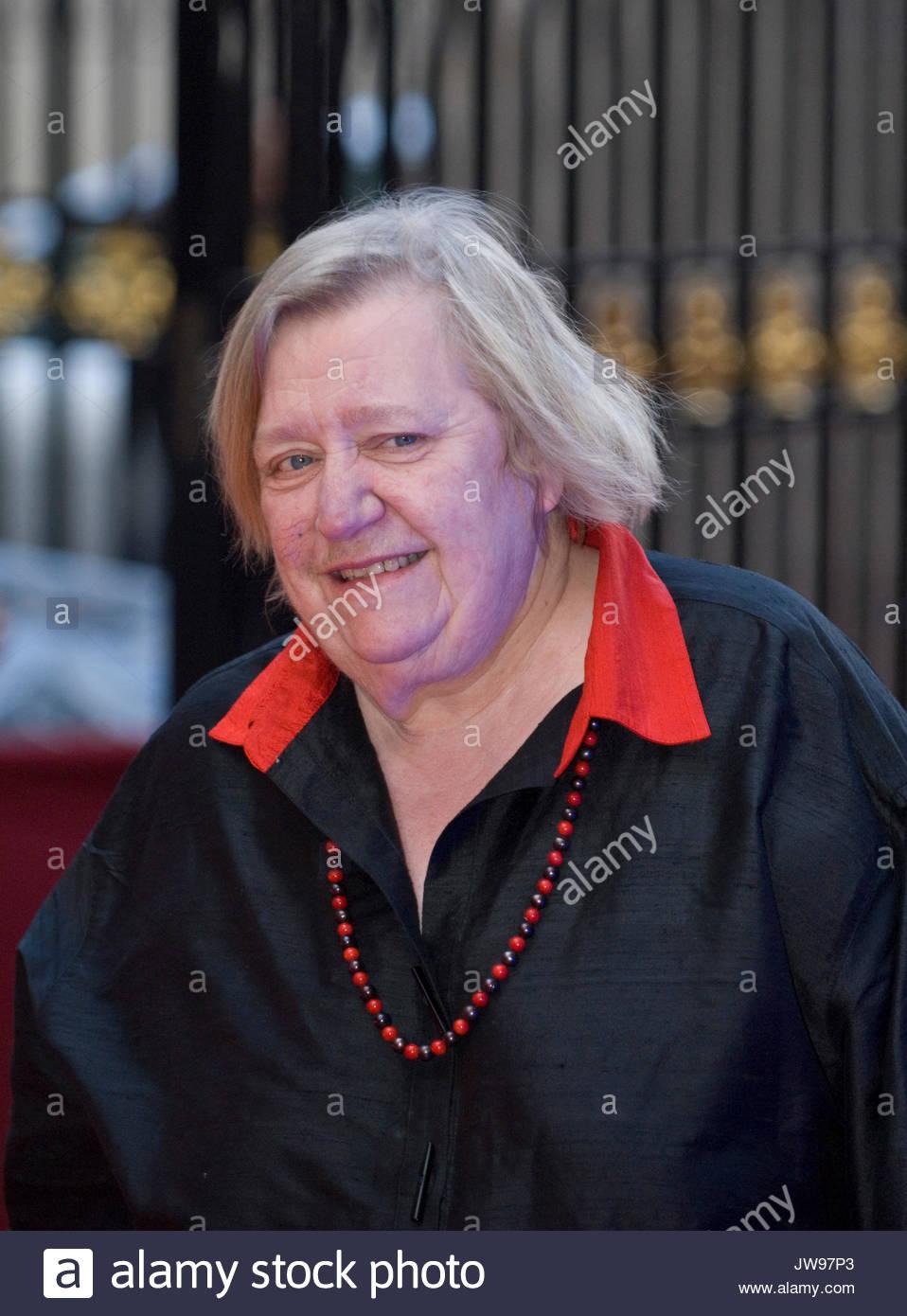 Roberta Weiss XXX video Ann Nesby,Gina La Piana