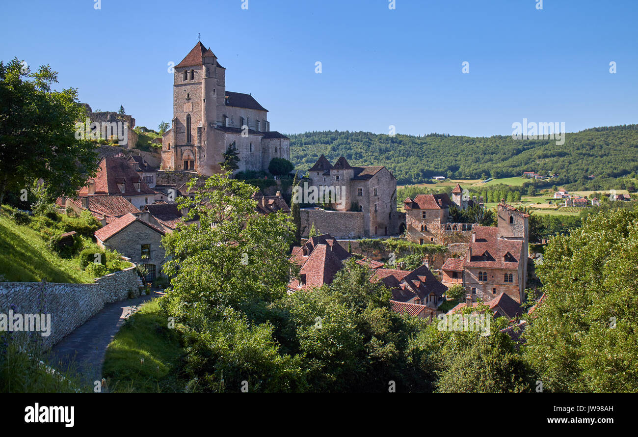 Europe, France, Occitanie, Lot, St-Cirq-Lapopie village along the river Lot, This medieval village, elected favorite village of the French in 2012, marries the rock face 100 meters above the river. - Stock Image