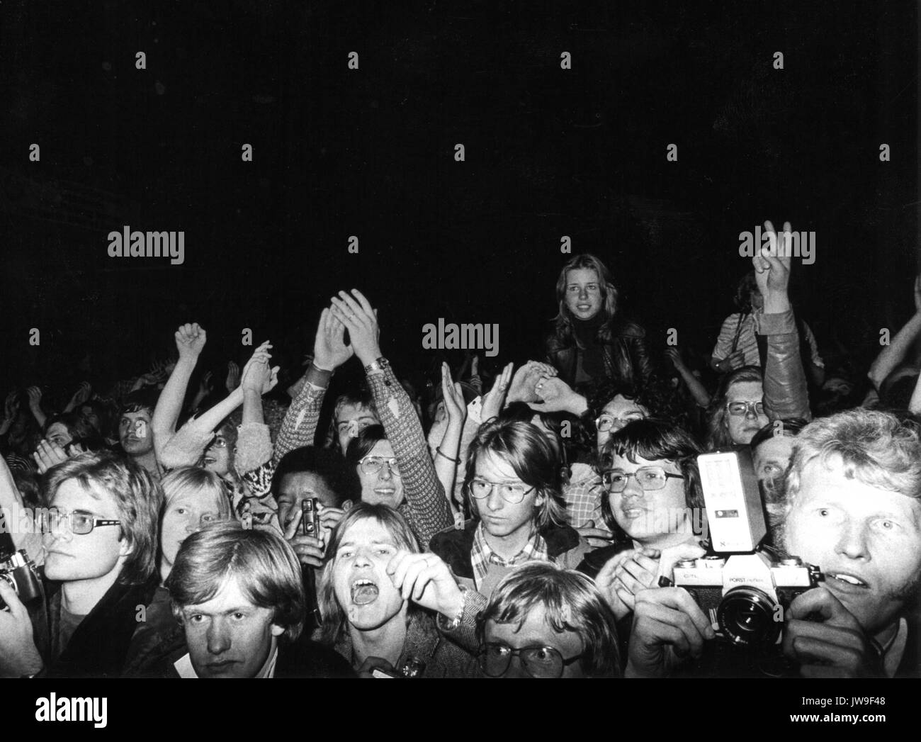 Fans. The Rolling Stones on 28 April 1976 at the Festhalle in Frankfurt (Germany). | usage worldwide Stock Photo