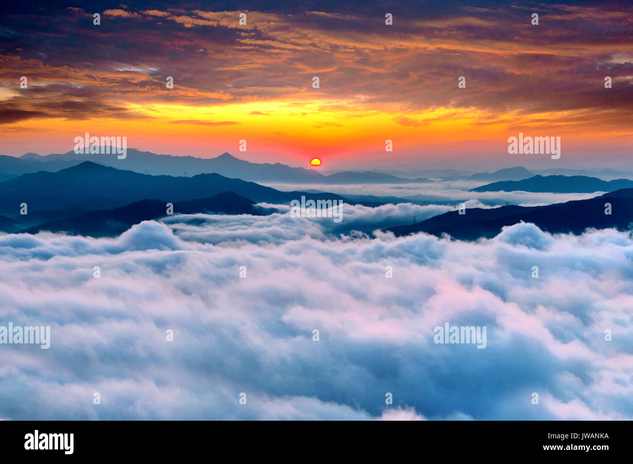 Seoraksan mountains is covered by morning fog and sunrise in Stock ...