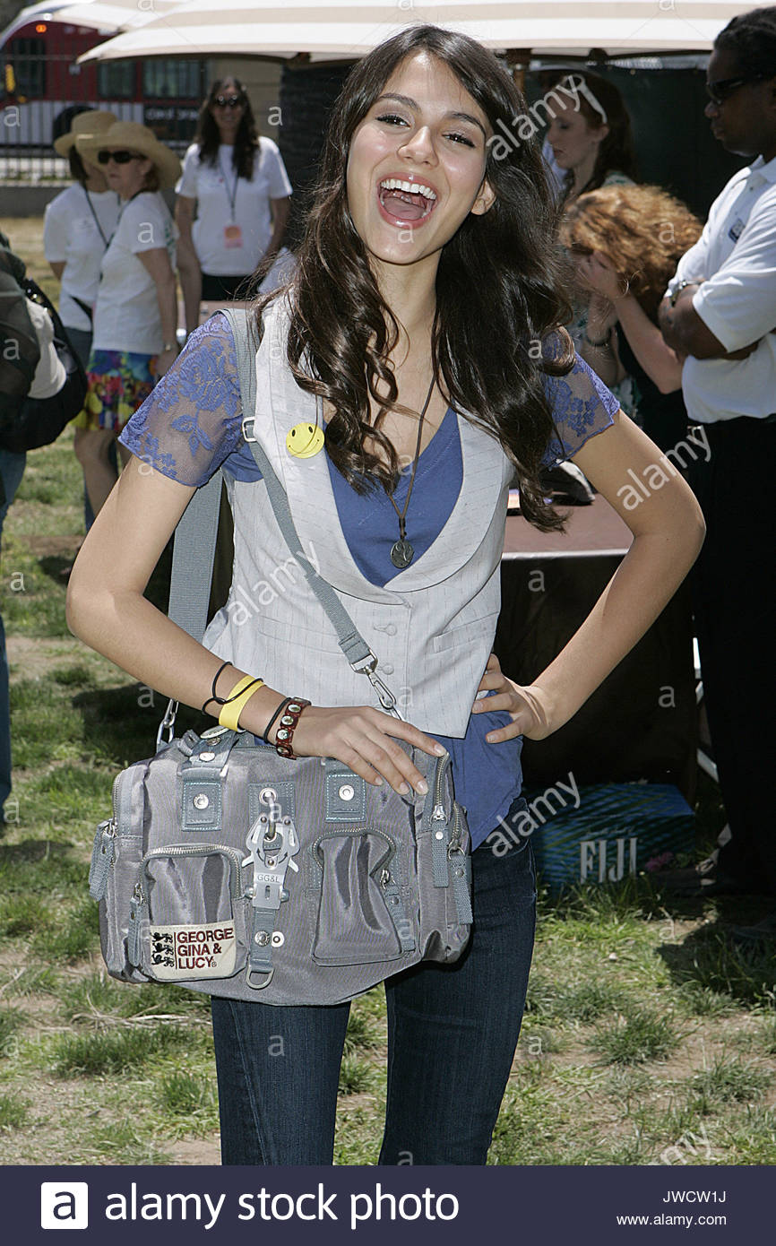 victoria justice a time for heroes celebrity carnival to benefit