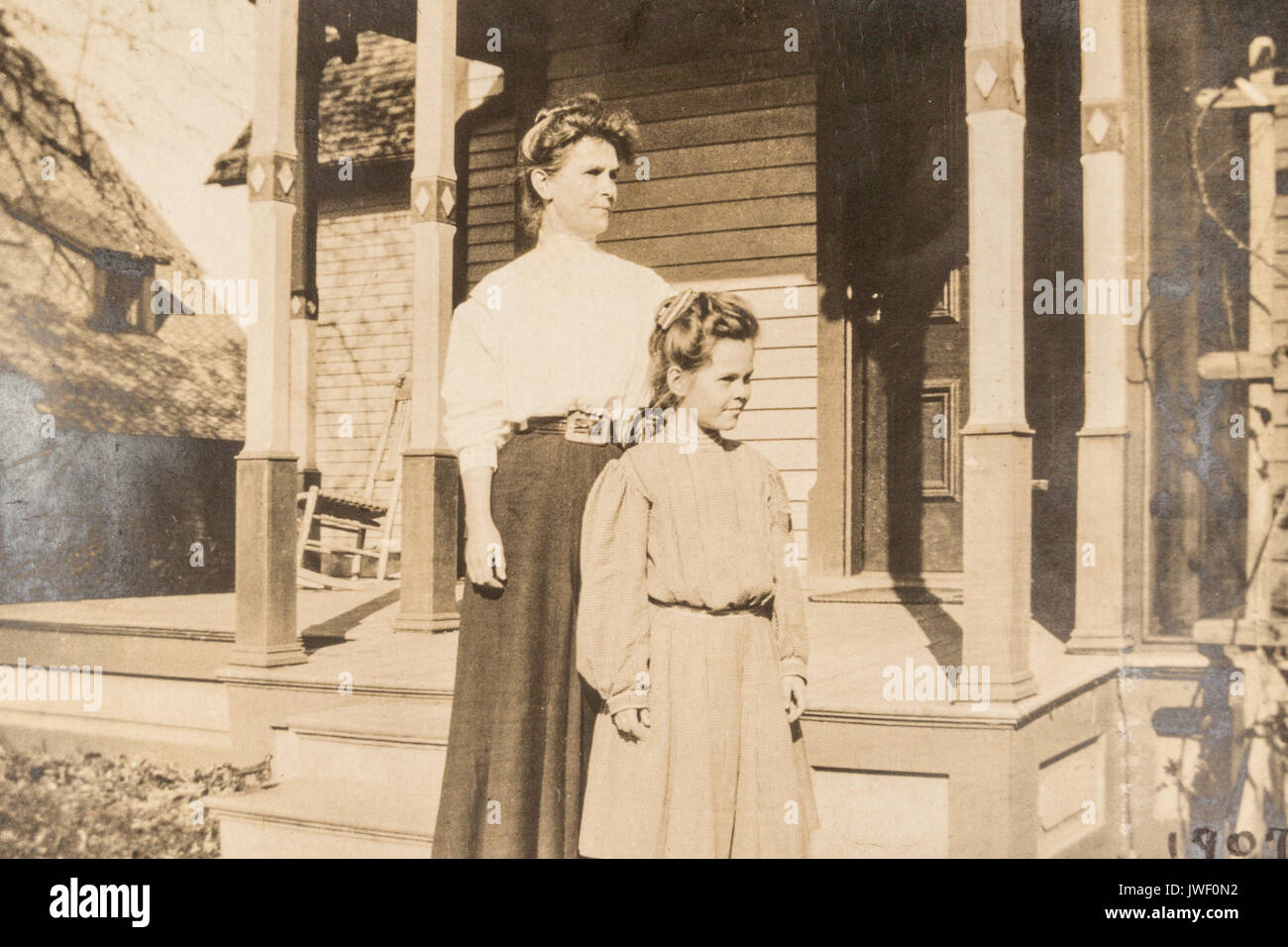 Mother and daughter in Minnesota USA 1907-1908 Stock Photo