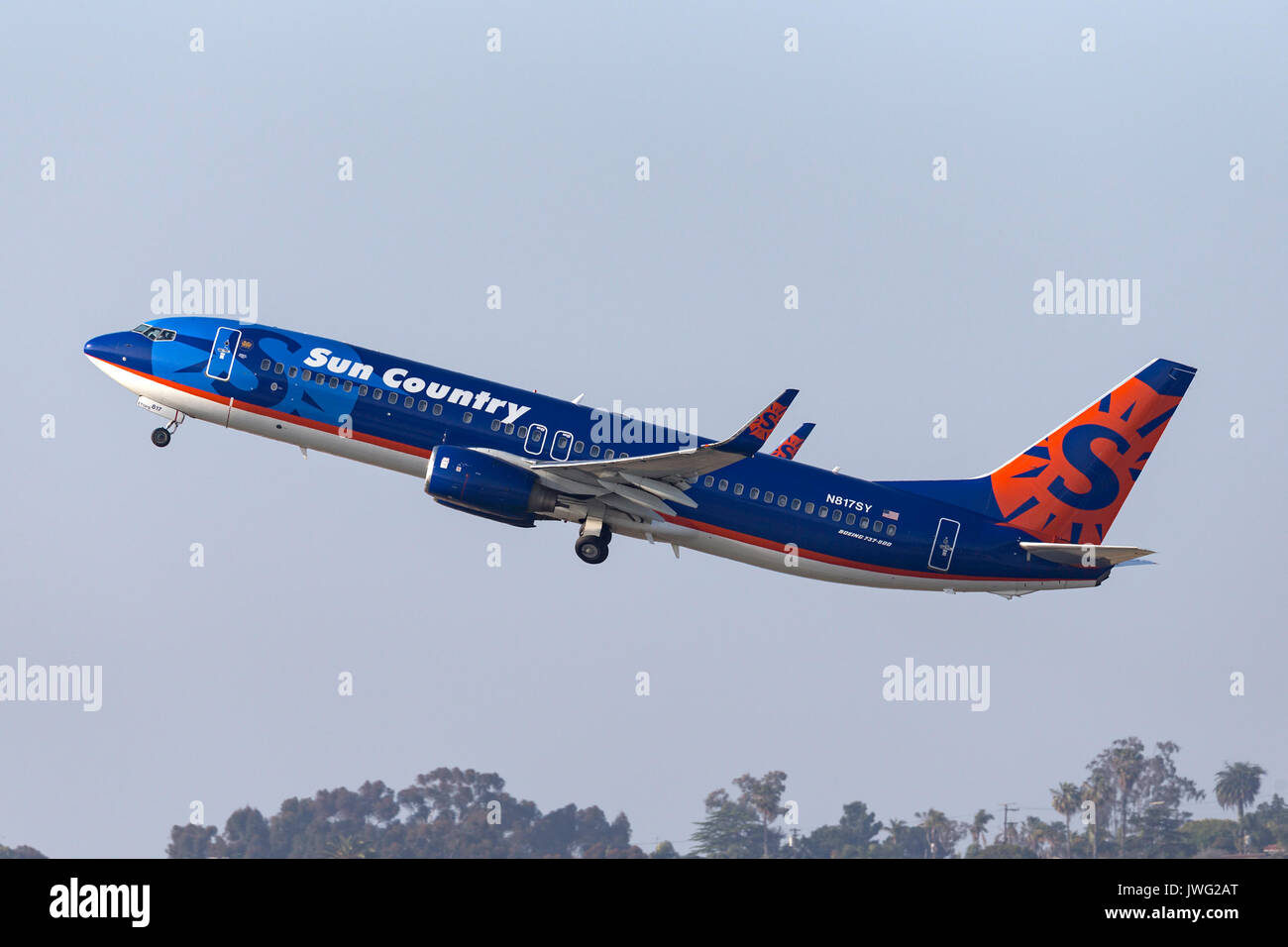 Sun Country Airlines Boeing 737-8K2 N817SY departing San Diego International Airport. - Stock Image