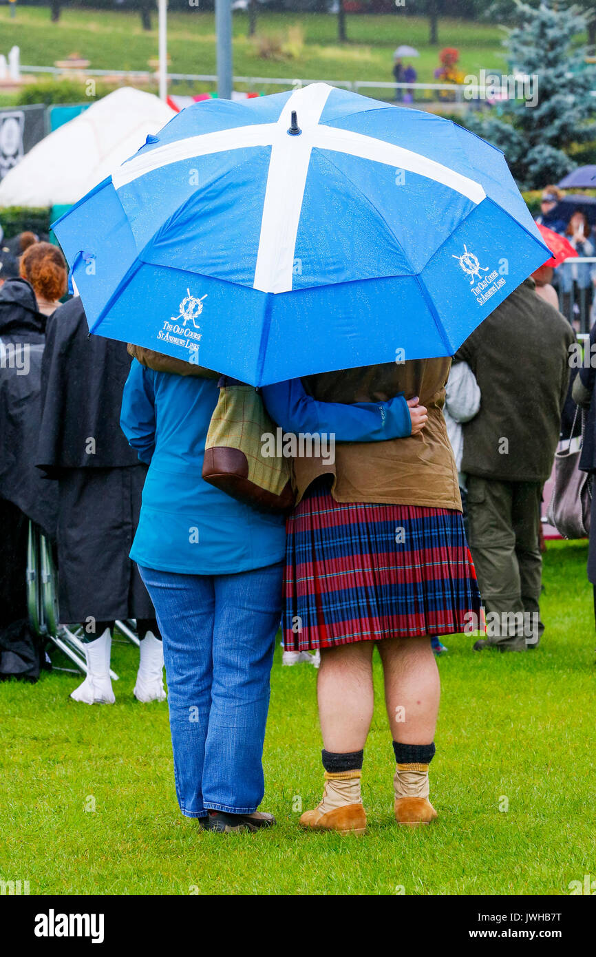 Glasgow, UK. 12th Aug, 2017. It was estimated that more than 10,000 spectators turned out to watch the final day Stock Photo