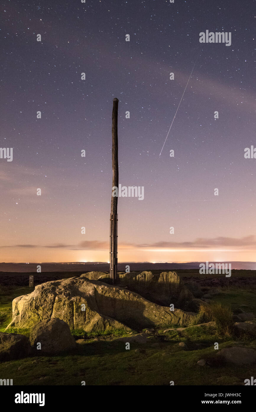 Perseid Meteor Shower, 12th August 2017, South Yorkshire, England, UK. A meteors streaks across the night sky above Stock Photo