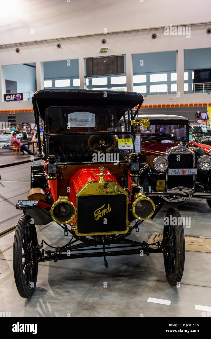 Bielsko-Biala, Poland. 12th Aug, 2017. International automotive trade fairs - MotoShow Bielsko-Biala. Old Ford T from 1913 year. Credit: Lukasz Obermann/Alamy Live News - Stock Image