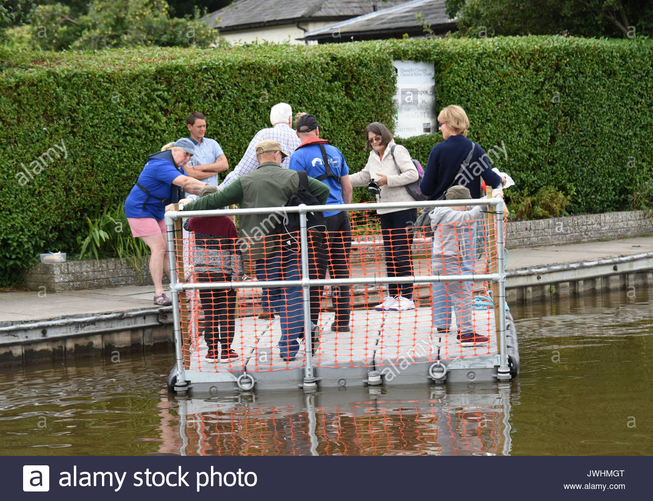 Ellesmere, UK. 13th August, 2017. Locals and visitrs enjoyed the canal based attractions at this years Ellesmere Festival held in Shropshire's own mini Lake District. Credit: Phil Pickin/ Alamy Live News - Stock Image