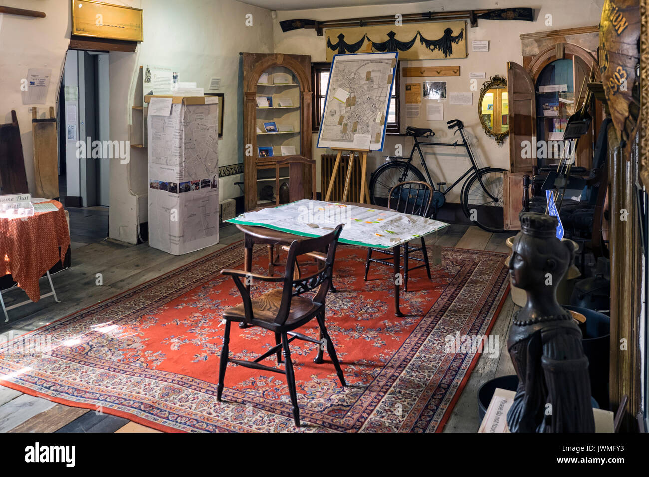 MUSEUM OF CAMBRIDGE - General view of the Dining Parlour in the Museum.  Photos taken with the approval of the the Museum. - Stock Image