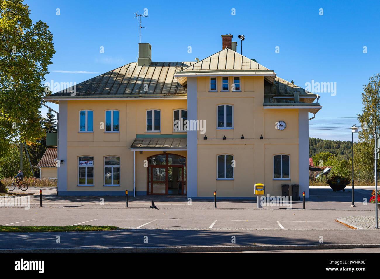 HEDEMORA, SWEDEN - SEPTEMBER, 20, 2016: Small railway station - Stock Image