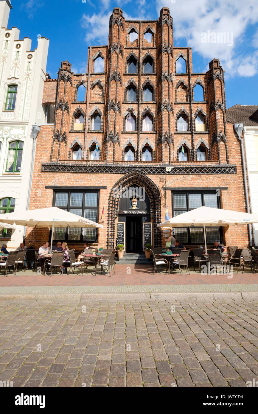 Alter Schwede restaurant and hotel on the Market Square, Wismar, Mecklenburg-Vorpommern, Germany - Stock Image