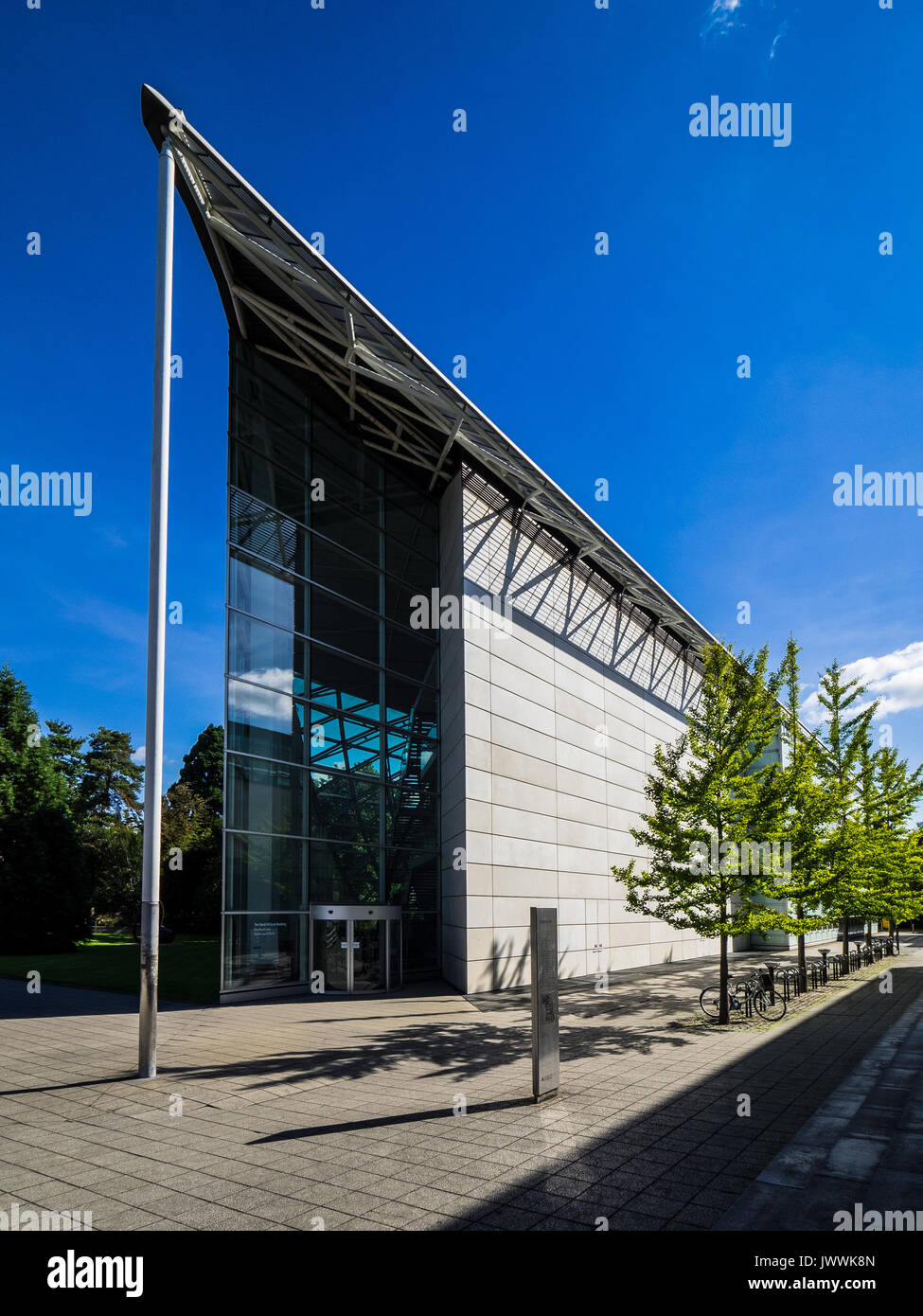 Faculty of Law building, Cambridge University, architects Foster & Partners, completed in 1995. - Stock Image