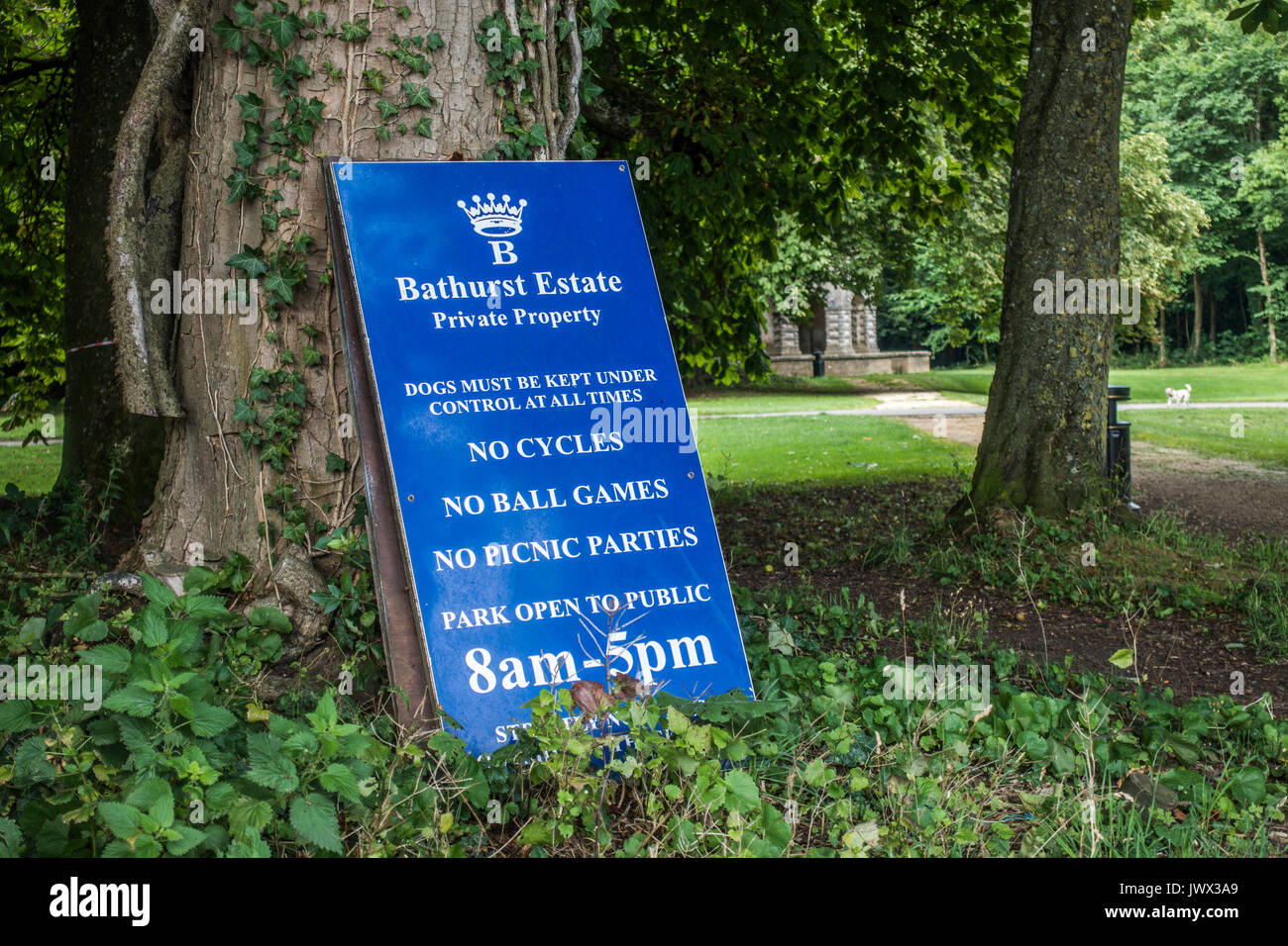 Bathurst Estate rules sign in the Cotswolds town of Cirencester, Gloucestershire, England, UK. - Stock Image