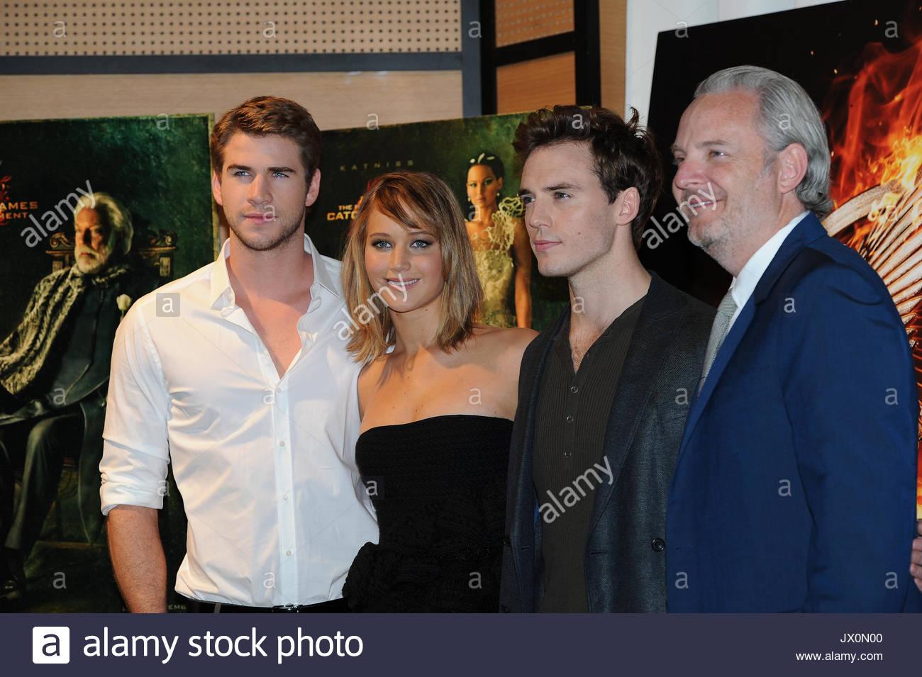 Liam Hemsworthjennifer Lawrencesam Claflin And Jon Kilik The Cast