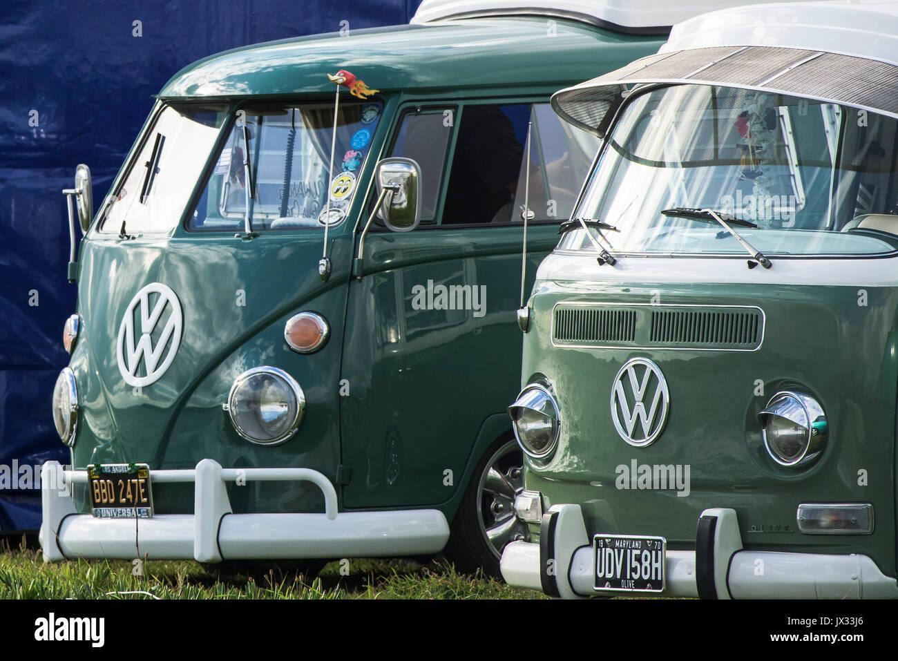 Vw Campervans Stock Photos & Vw Campervans Stock Images - Alamy