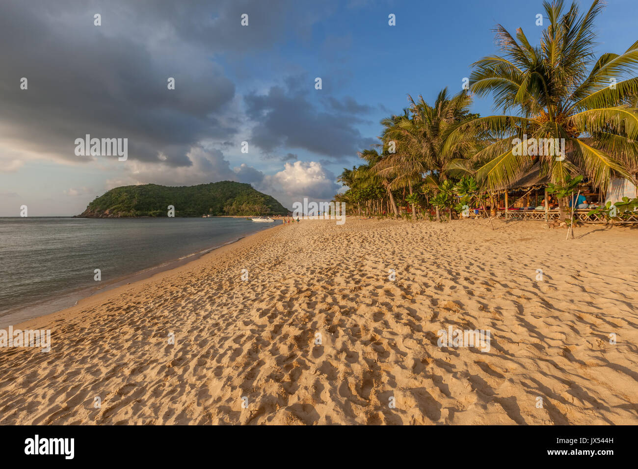 Mae Haad Beach at sunset, Koh Phangan island, Thailand - Stock Image