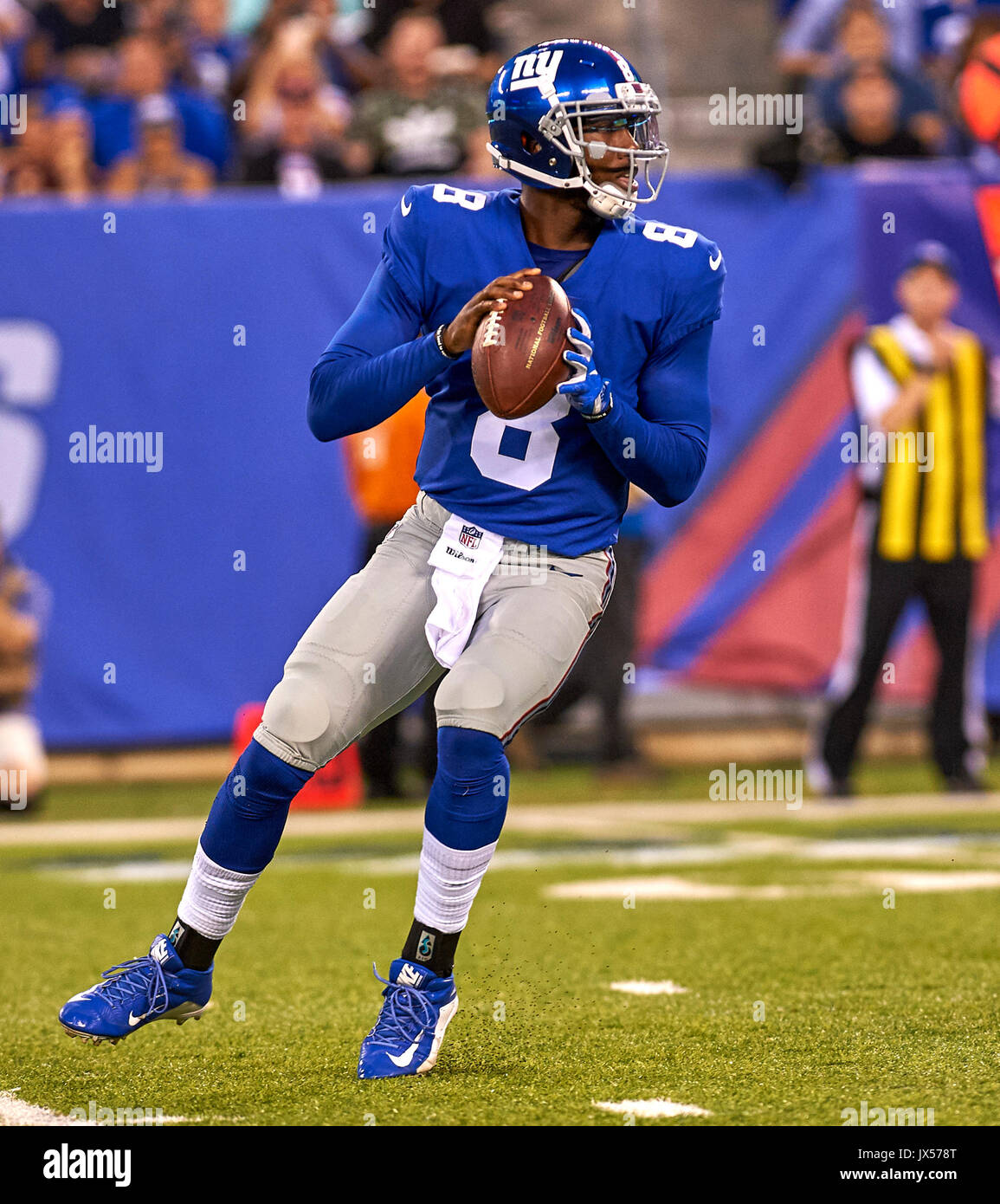 August 11, 2017 - East Rutherford, New Jersey, U.S. - Giants' quarterback Josh Johnson (8) drops back to pass during NFL pre-season action between the Pittsburgh Steelers and the New York Giants at MetLife Stadium in East Rutherford, New Jersey. Duncan Williams/CSM - Stock Image