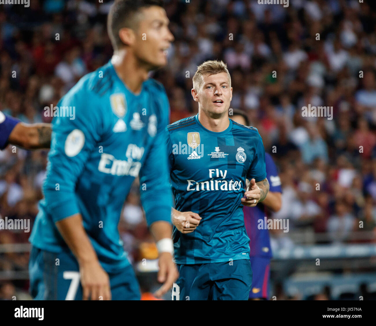 Camp Nou Stadium, Barcelona, Spain. 13th of August, 2017. Super Cup of Spain between FC Barcelona and Real Madrid. Kroos. Credit: David Ramírez/Alamy Live News - Stock Image