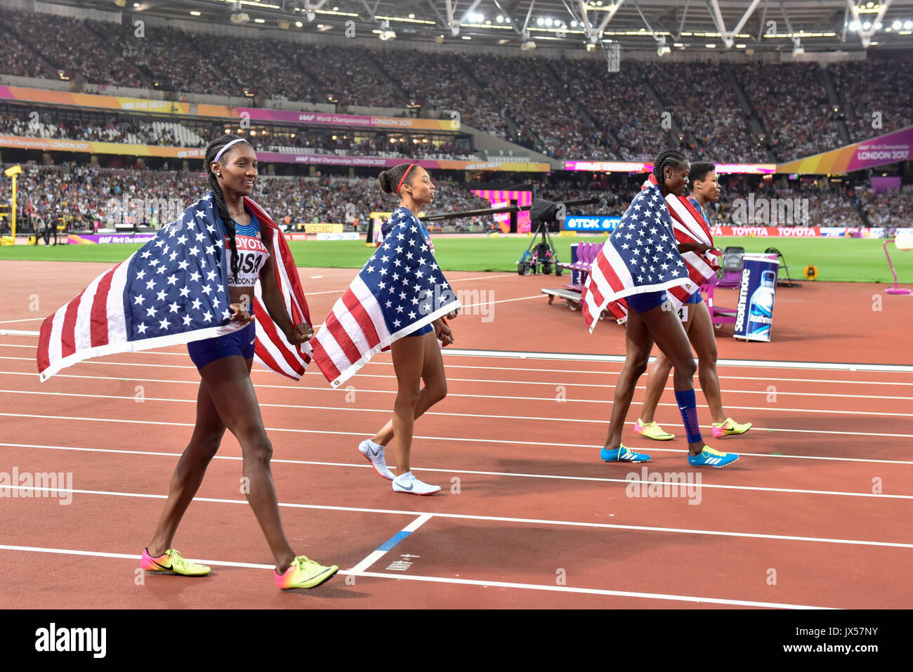 London, UK.  13 August 2017. USA celebrate gold in women's 4 x 400m relay. Final session at the London Stadium, on day ten of The IAAF World Championships London 2017.  Credit: Stephen Chung / Alamy Live News - Stock Image