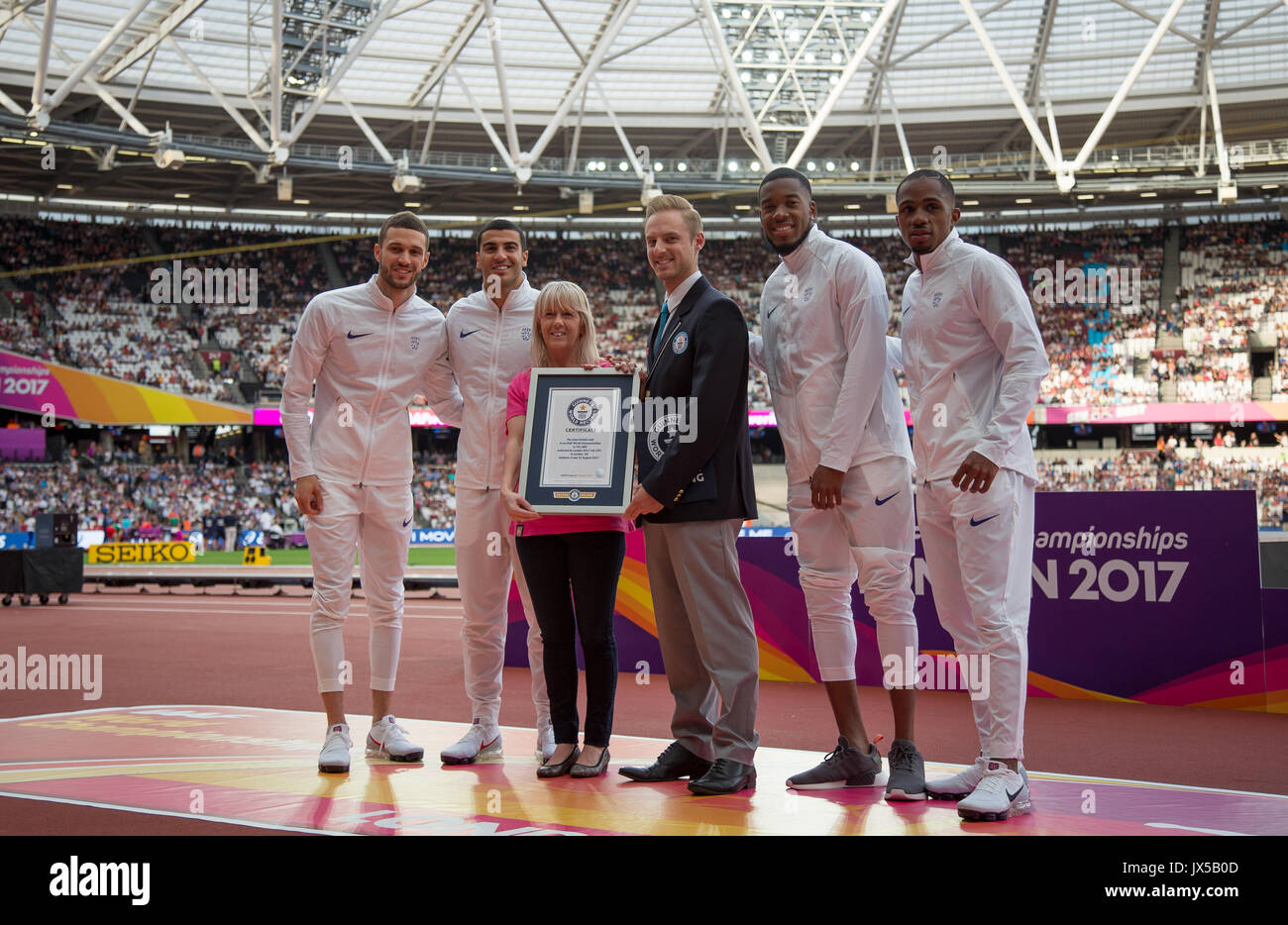 A presentation of a certificate from the Guiness Book of World Records for the most tickets sold at a IAAF World athletics Championships during the Final Day of the IAAF World Athletics Championships (Day 10) at the Olympic Park, London, England on 13 August 2017. Photo by Andy Rowland / PRiME Media Images. - Stock Image