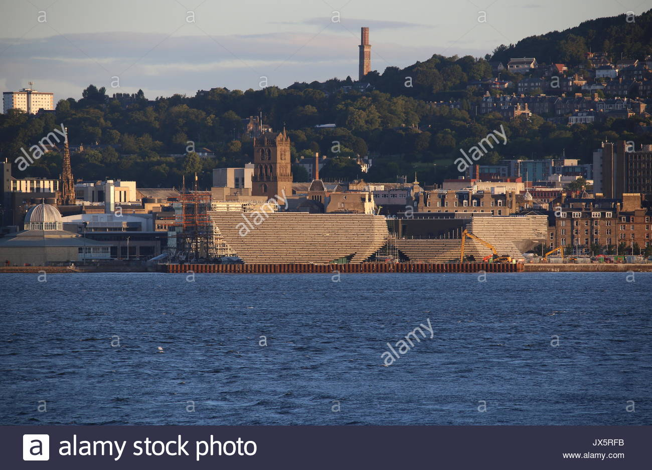 V & A Design Museum with cofferdam and Cox's Stack Dundee Scotland  August 2017 - Stock Image