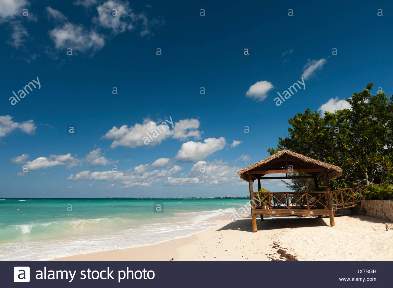 A view of Seven Mile beach. - Stock Image