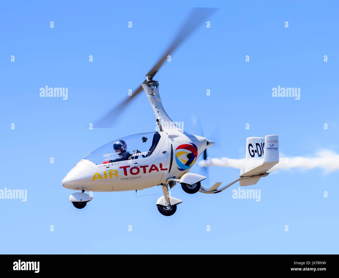 Peter Davies flying the Gyro Air Displays RotorSport Calidus