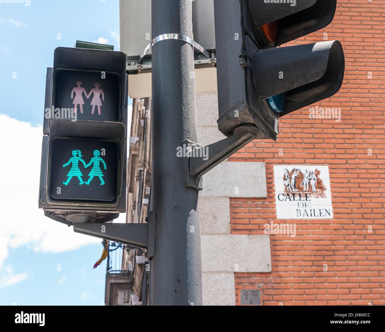Semáforos lgtbi en la calle Bailén. Madrid. España - Stock Image