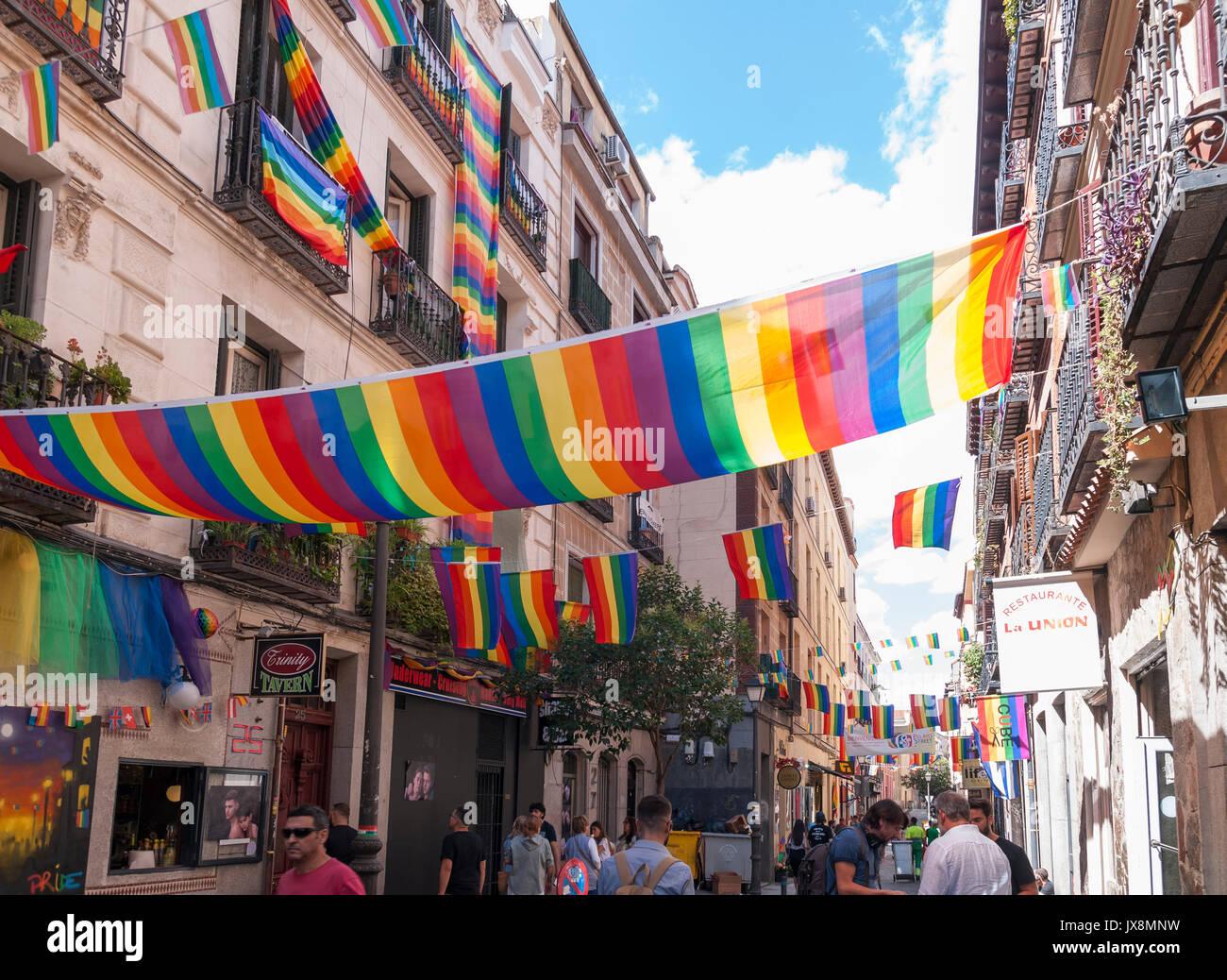 Fiestas del orgullo gay en el barrio de Chueca. Madrid. España Stock ...