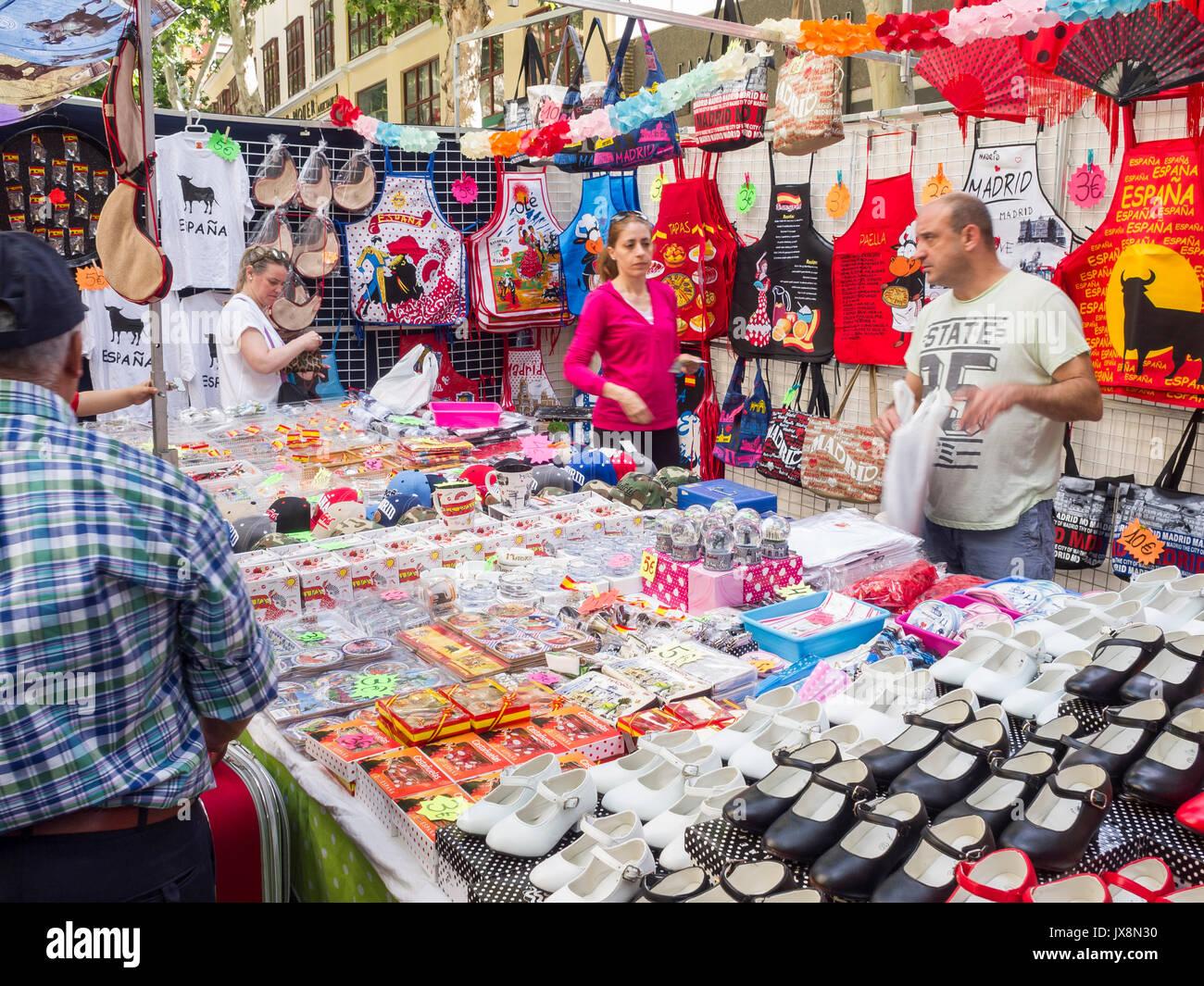 el rastro mercado al aire libre de madrid espa a stock On piedra para el mercado al aire libre