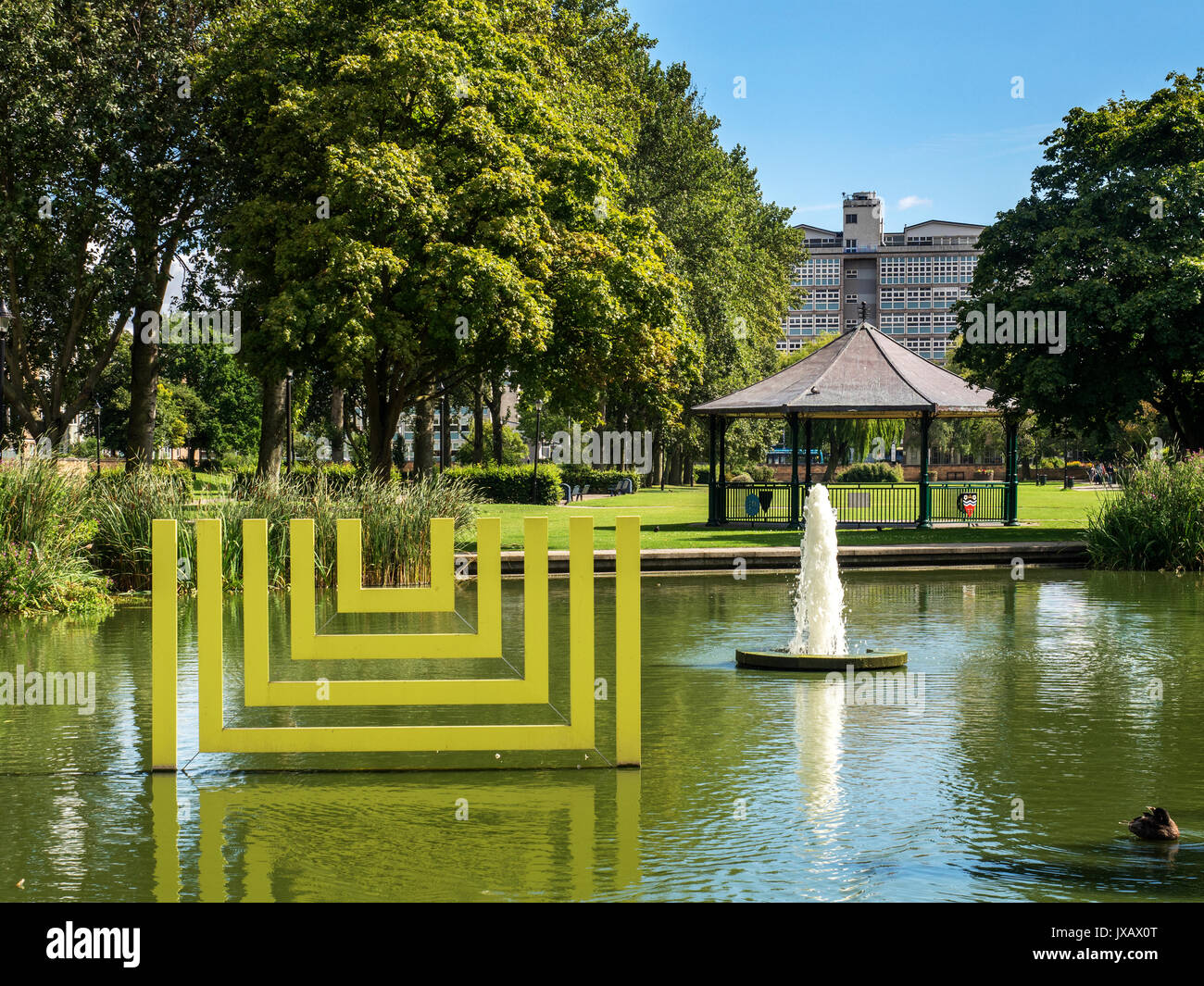 Pond with Fountain and Bandstand in Queens Gardens Hull Yorkshire England - Stock Image