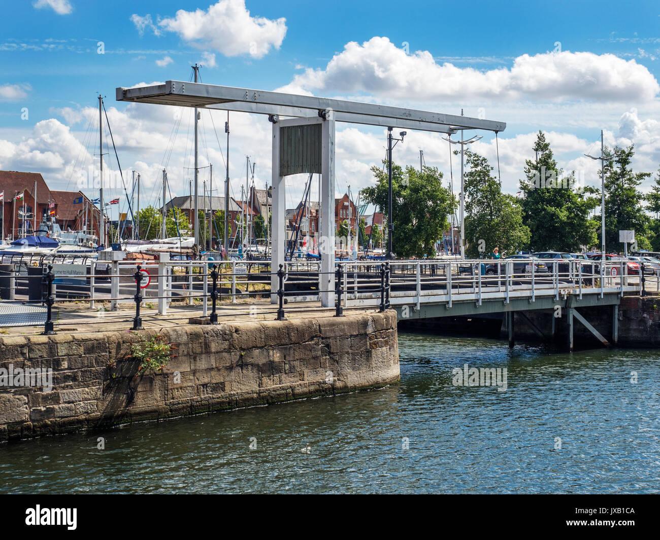 Lift Bridge at ENtrance to Railway Dock from Hull Marina Hull Yorkshire England - Stock Image