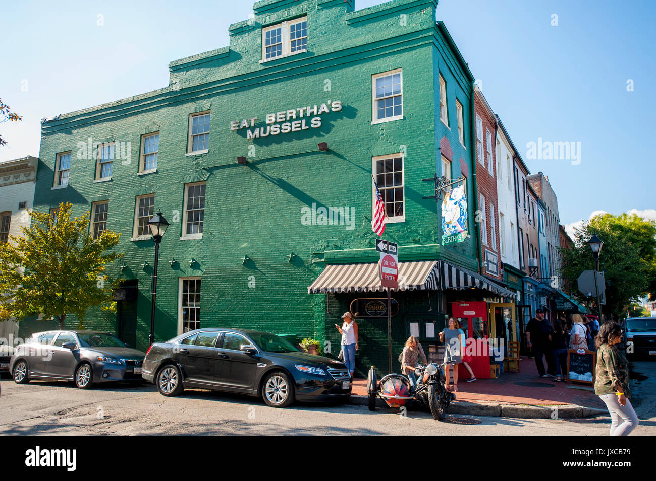 USA Baltimore Maryland MD Fells Point Eat Bertha's Mussels seafood restaurant on Braodway - Stock Image