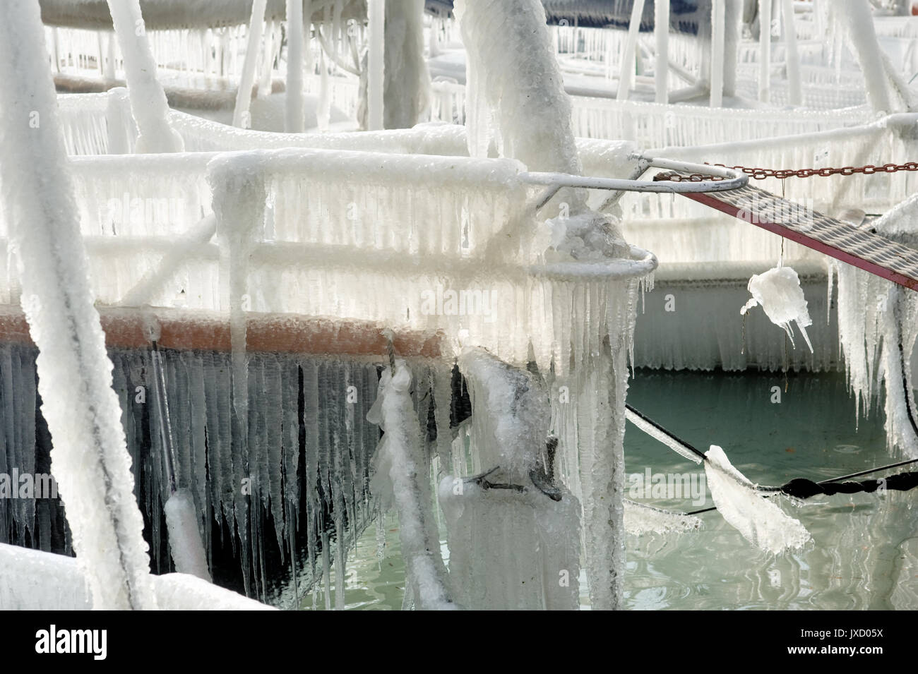 Hard winter on the lake Leman. The wind and the very low temperatures created a winter wonderland on geneva lake, Geneva, Switzerland - Stock Image