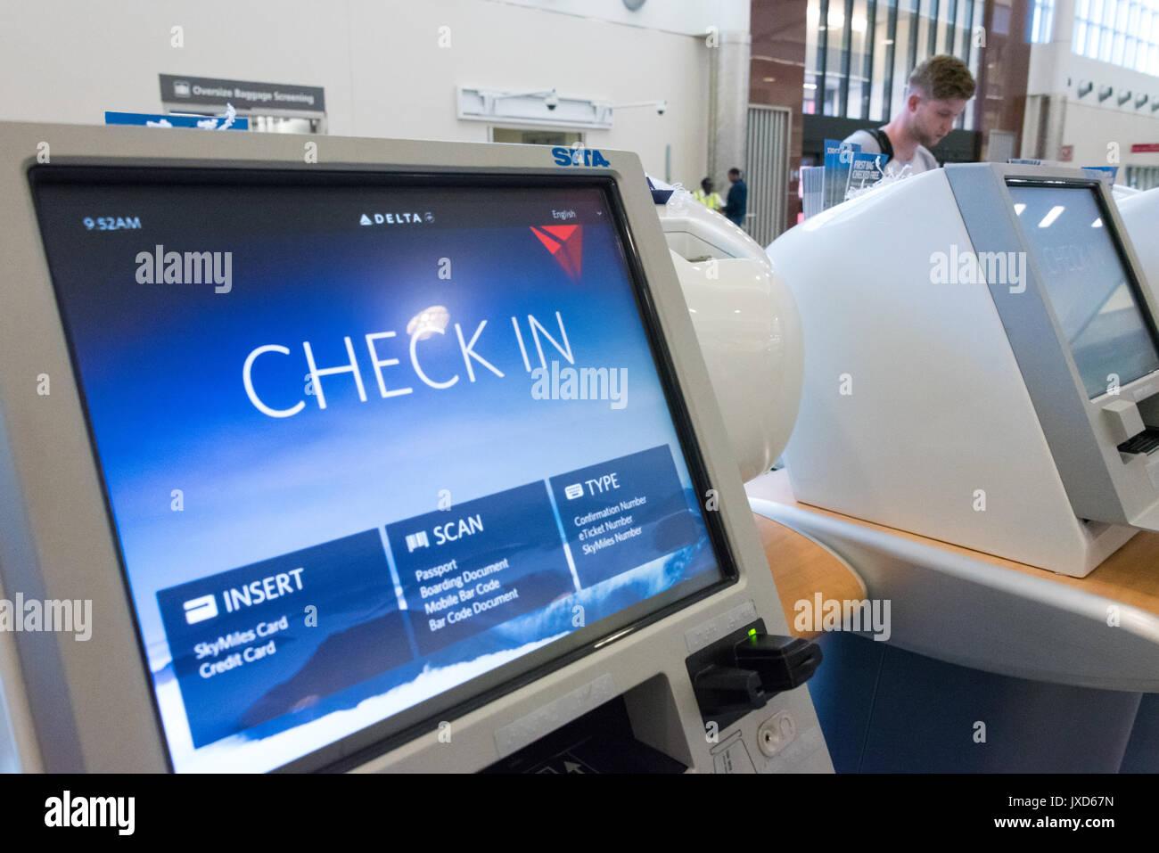 Delta Air Lines Check In kiosks at Hartsfield-Jackson Atlanta International Airport in Atlanta, Georgia, USA. - Stock Image