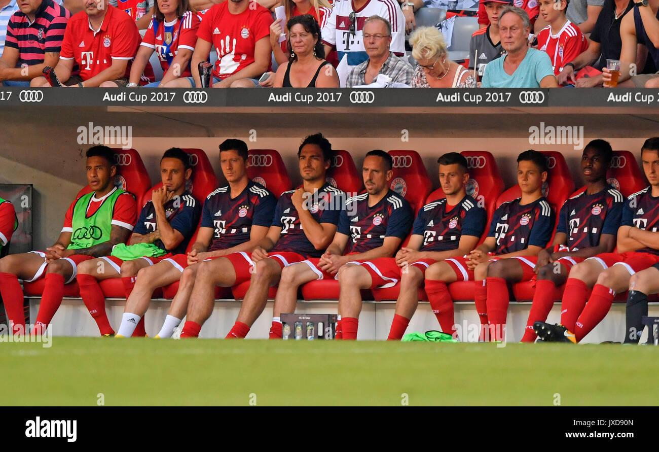 02.08.2017,  Fussball 1.Liga 2017/2018, AUDI-Cup 2017, Spiel um v.li: Corentin Tolisso (FC Bayern München), Rafinha (FC Bayern München), Robert Lewandowski (FC Bayern München), Mats Hummels (Bayern München), Franck Ribery (FC Bayern München) auf der Bank. Photo: Cronos/MIS - Stock Image