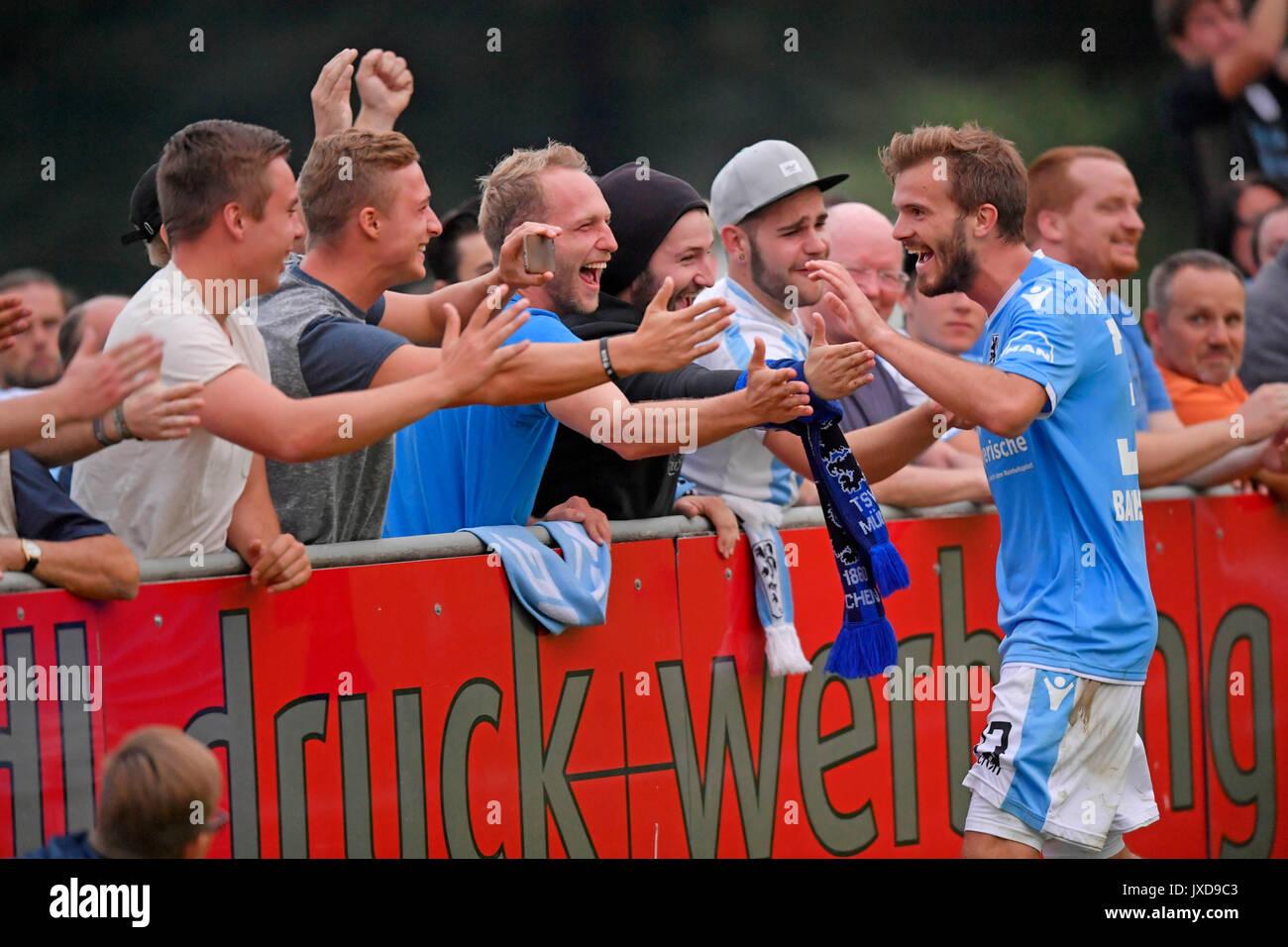09.08.2017, Fussball Toto-Pokal 2017/2018, VfR Neuburg - TSV 1860 München, im Stadion in Neuburg an der Donau. Felix Bachschmid (TSV 1860 München) Torjubel. Photo: Cronos/MIS - Stock Image