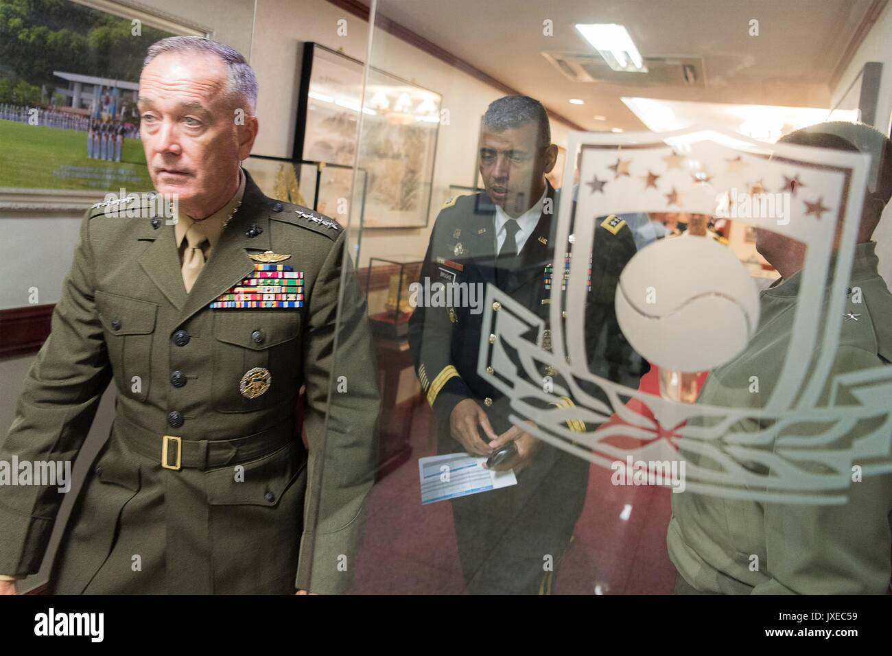U.S. Chairman of the Joint Chiefs Gen. Joseph Dunford, left, and Army Gen. Vincent Brooks, commander, U.S. Forces Korea, following a press conference at Combined Forces Command August 14, 2017 in Seoul, South Korea. Dunford is meeting military leaders in the Asia-Pacific region as tensions rise with North Korea over nuclear and ballistic missiles tests. - Stock Image