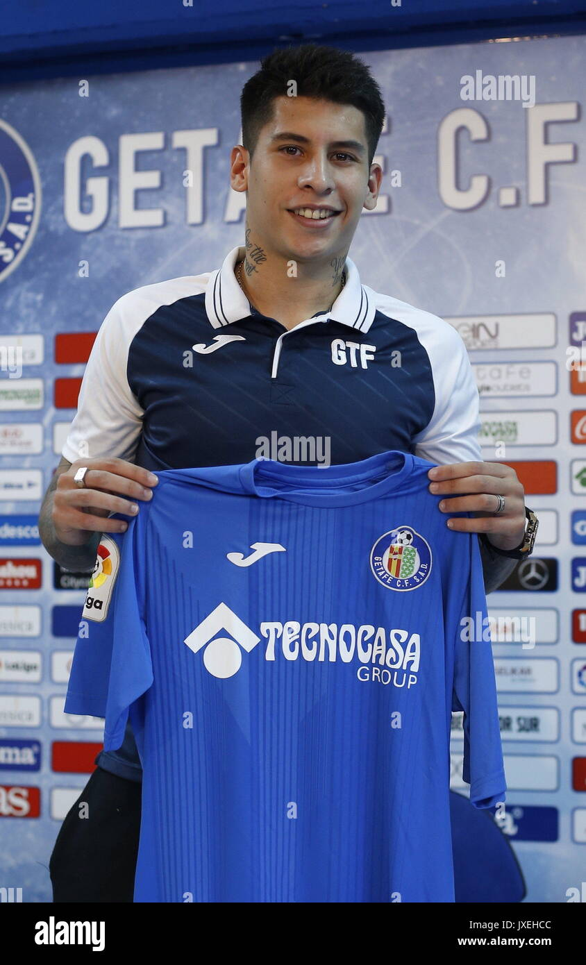 Madrid, Spain. 16th Aug, 2017. Uruguayan left winger Mathias Olivera poses for photographers during his presentation as Primera Division team Getafe CF's new player in Getafe, outside Madrid, Spain, 16 August 2017. Credit: EFE News Agency/Alamy Live News - Stock Image