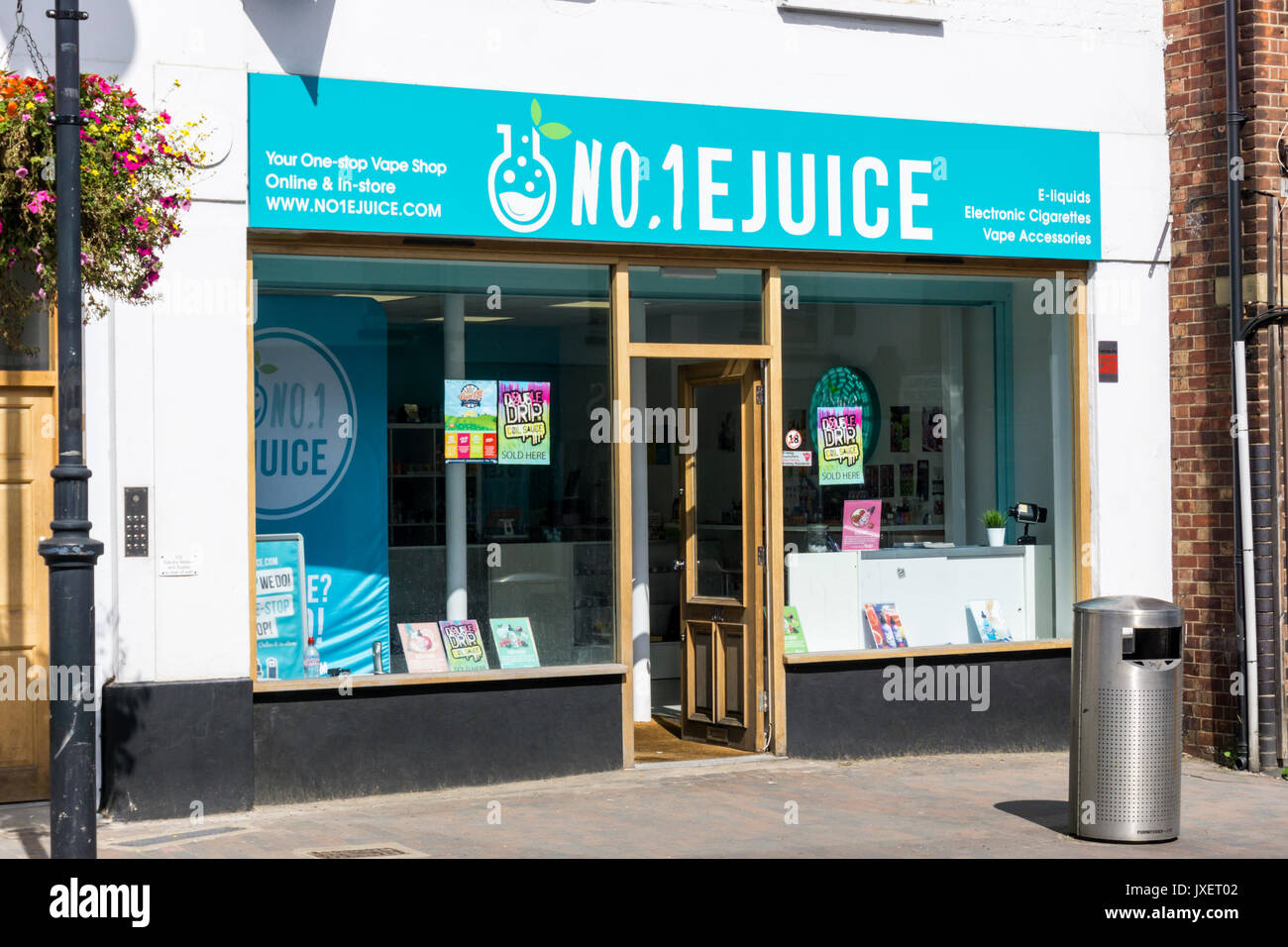 No.1 EJuice vape shop in Orpington High Street - Stock Image
