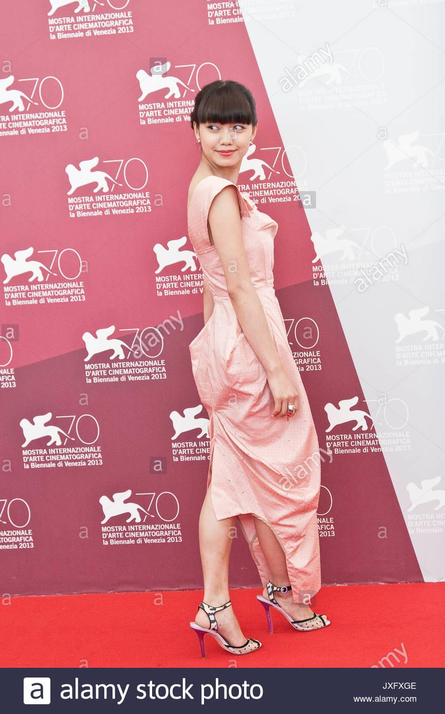 Emily Mortimer (born 1971 (naturalized American citizen)