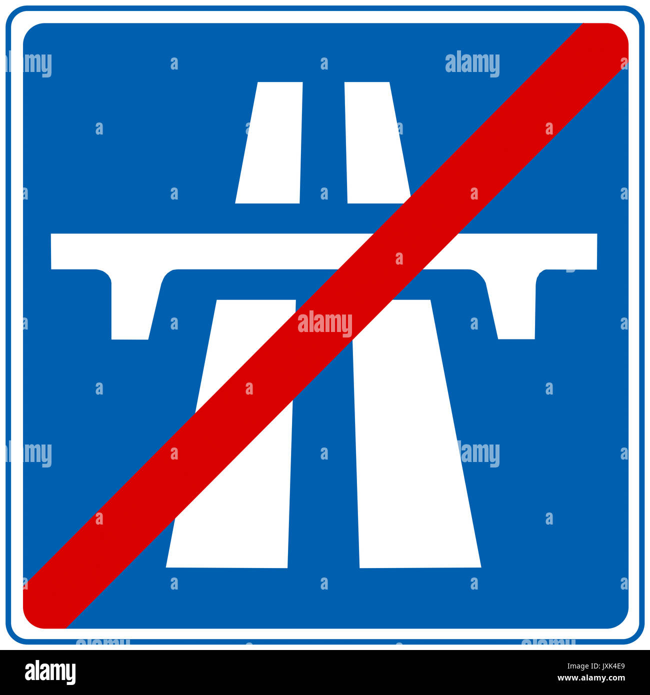 End of motorway road sign on white background - Stock Image