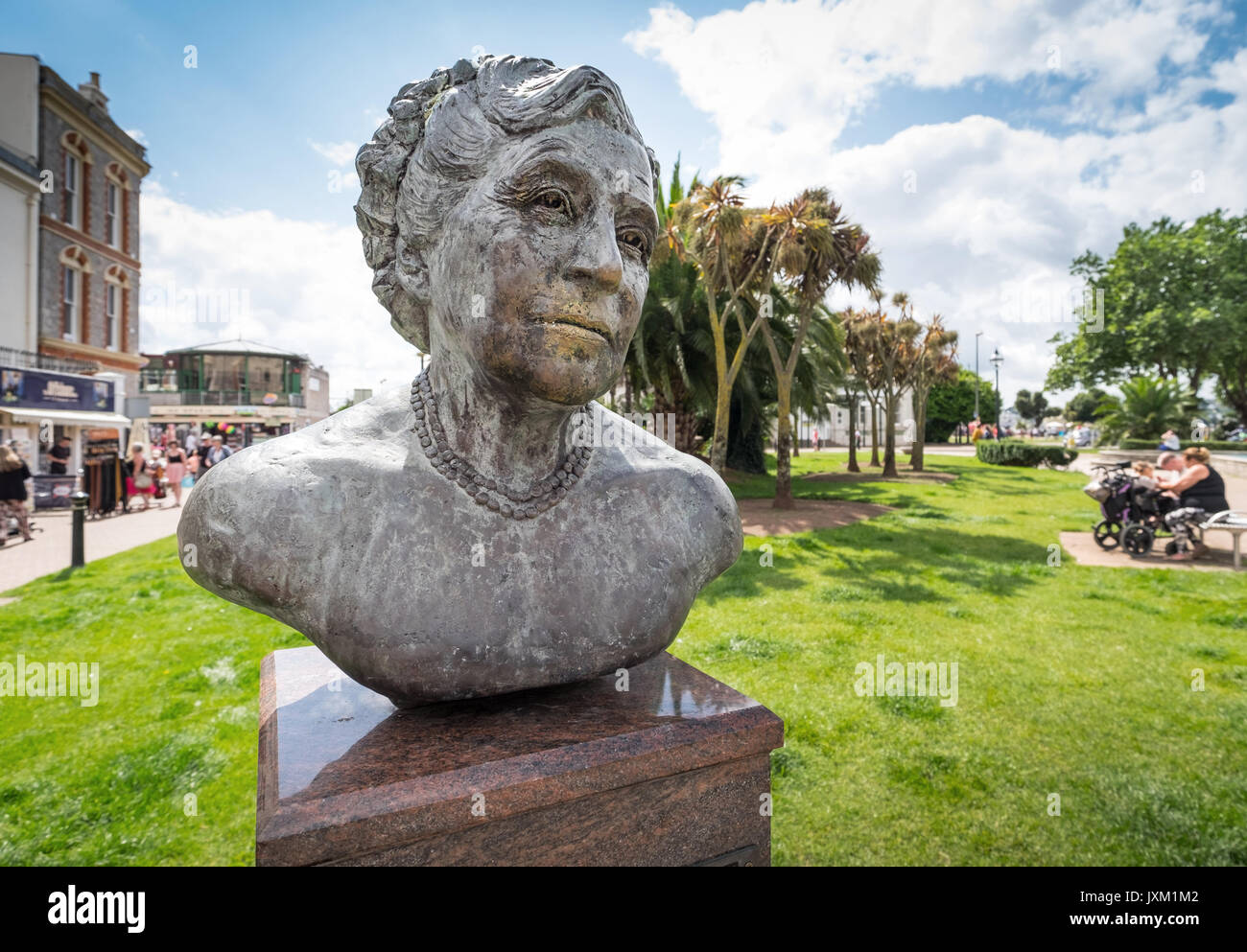 Agatha Christie sculpture, by Dutch artist Carol Van Den Boom-Cairns, situated in Palk Street, Torquay. - Stock Image
