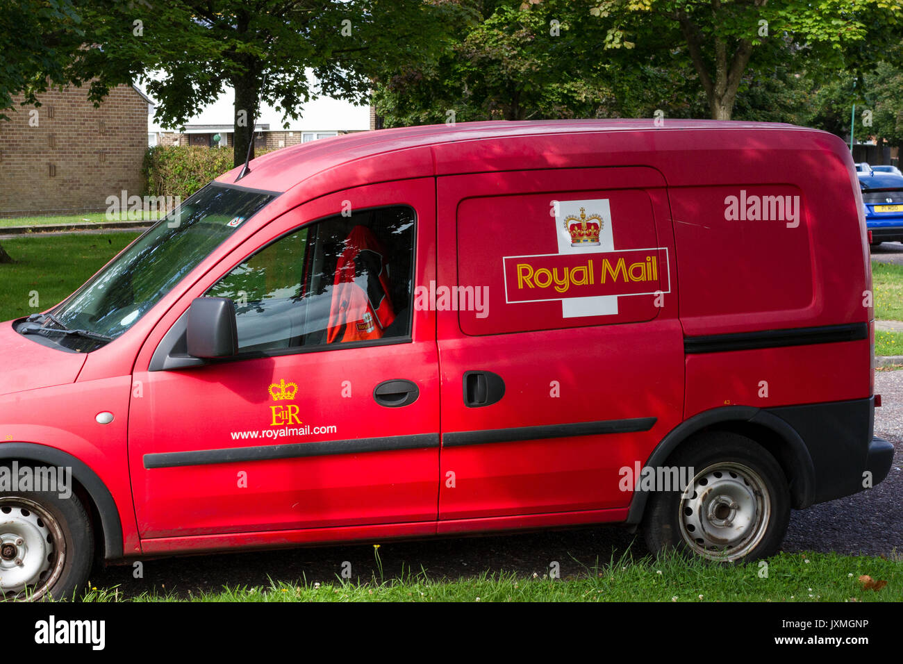 f826380ea64075 Royal Mail postal delivery van parked in a residential area - Stock Image