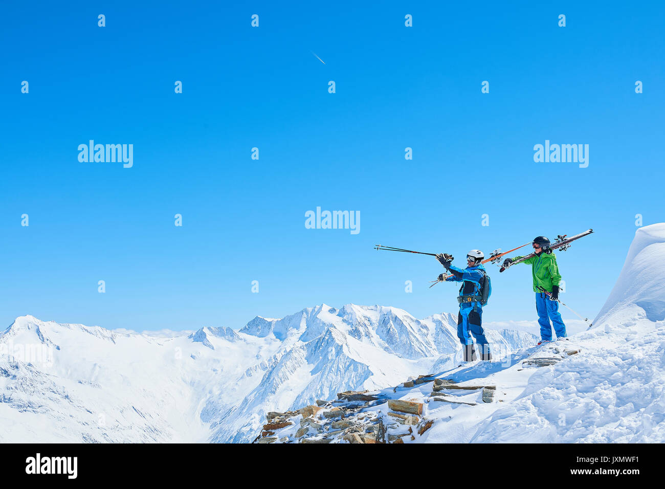 Father and son on skiing holiday, Hintertux, Tirol, Austria - Stock Image